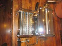 PASTA MACHINE with hand crank