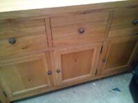 soLID Oak sideboard from balmoral furnishings
