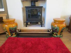 ANTIQUE BRASS & STEEL FENDER TOGETHER WITH 2 PORCELAIN OLD FIRESIDE STOOLS, WOULD SUIT LOGBURNER.