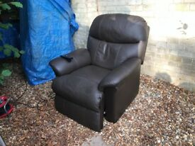 Brown leather electric Rise & Recline armchair. From Fenetic Wellbeing. Good condition.