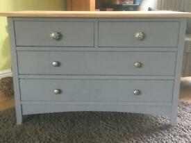 Lovely set of 4 drawers