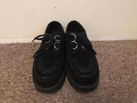 PLATFORM CREEPERS IN BLACK
