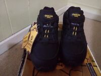 Ladies Black steel toe cap safety boots new size 4. Leather and textile uppers, lightweight.