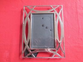 Steel photograph frame
