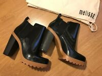 Melissa Black Ankle Boots with Camel Heel Size UK 6 EU 39 RRP £100+ (and dustbag)