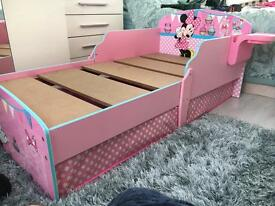 Toddler bed Minnie Mouse hello home