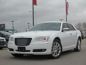 2014 Chrysler 300C AWD! V8! Leather! Sunroof! Luxury! London Ontario image 1