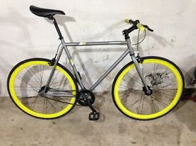 Single speed town bicycle. Large frame.