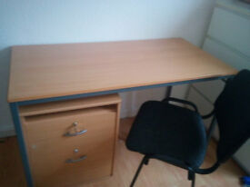 DESK-CHAIR-DRAWERS