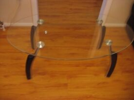 Glass Top Center Coffee Table in Good condition