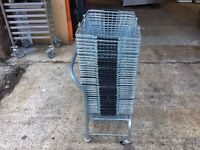 SHOPPING BASKET STAND WITH 34 HEAVY DUTY BASKETS