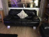 2 x LARGE 2 SEATER BLACK LEATHER SOFA / COUCHES