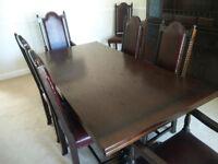 Jaycee Large Drawleaf Dining RoomTable & 8 Chairs