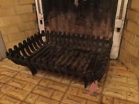 Cast iron fire basket for fireplace