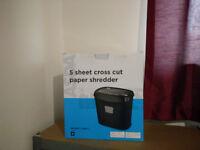 5 sheet paper shredder £5