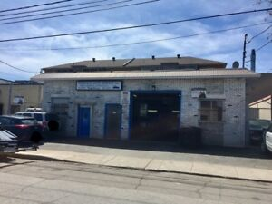 Commercial business building for Sale - Garage mechanic