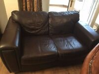 Dark brown leather settee sofa 3 seater & 2 seater - Very good condition £220
