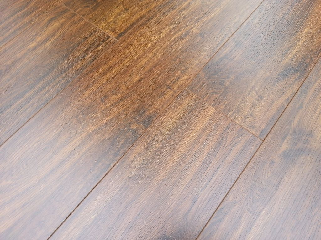 8mm and 10mm gloss v groove laminate flooring save over for Laminate flooring london