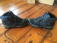 Berghaus Waterproof, Explorer IV GTX Hiking Boots - Size 10 (RRP £130)