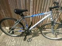 Mongoose alloy fame mountain bike good working order teenagers to adults