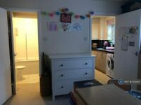 1 bedroom flat in Bowman Mews, London, SW18 (1 bed) (#1132410)