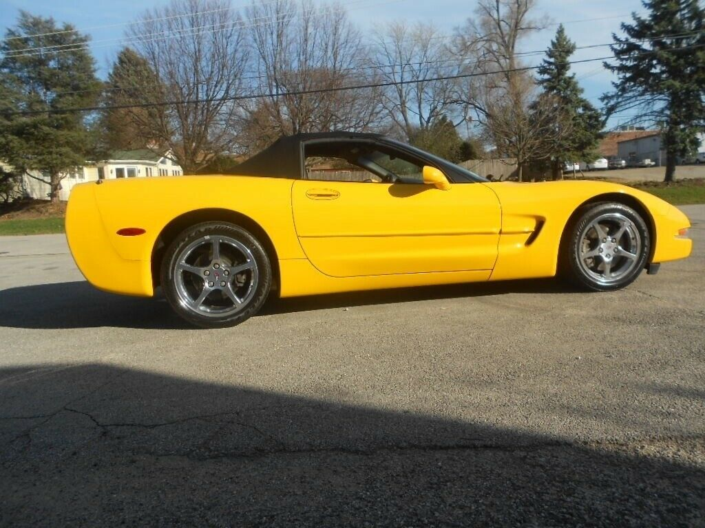 2001 Yellow Chevrolet Corvette   | C5 Corvette Photo 4
