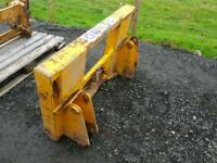 Grays tractor front loader head stock