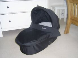 Babystyle Oyster Carry Cot (with colour change)