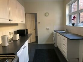 Available 15/8/20 Superb Fully Furn Flat Excluding Bills. NO DSS, PETS OR CHILDREN