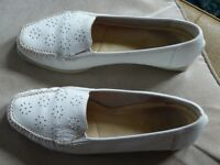 """K shoes"" white leather size 7"