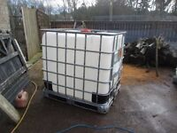 Water storage container IBC , cattle, horses, car valet, 1000L, can deliver, store hay straw etc