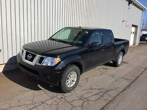 2016 Nissan Frontier SV LOW KM V6 4X4 WITH FACTORY WARRANTY!...
