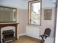 EAST LONDON - PRIVATE LANDLORD - 4 BEDROOM FURNISHED HOUSE NEAR ILFORD STATION.