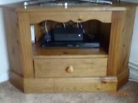 Pine corner TV stand