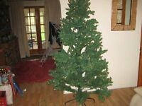 Top Quality Pre-lit 7 Foot Artificial Christmas Tree £75.00 ono