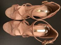 Ladies sparkly high heeled sandal shoes. Size 5