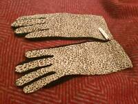 Dents leopard print gloves with tag