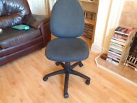 Comfy Padded Swivel Chair