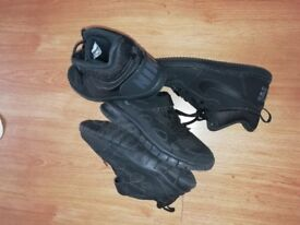 Nike trainers size 2.5
