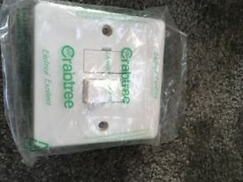 CRABTREE 13A DP SWITCHED FUSED CONNECTION UNIT WHITE