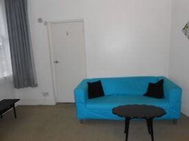 One bed furnished flat in Bracken Edge, Chapel Allerton