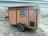 Mobile chicken house coop