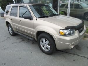 2007 Ford Escape AWD LIMITED SUV WITH LEATHER