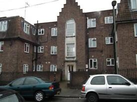 2 bedroom flat in Edward House, Edward Road, New Barnet