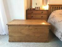 Antique Blanket Box Chest pine kist trunk coffee table wooden vintage
