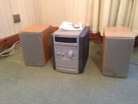 Sony Hi Fi Micro system. CD and Radio with two speakers. VGC. Warlingham