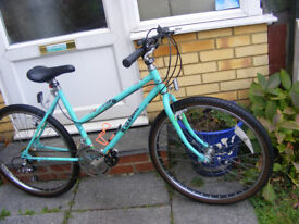 """LADIES RALEIGH 26"""" WHEEL BIKE WITH FITTED LIGHTS IN GREAT WORKING ORDER"""