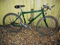 Raleigh light weight adult road bike 21 speed twist gears high spec very good condition can deliver