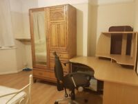 Large room to rent in Tolworth