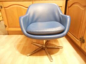Small blue Vintage swivel chair